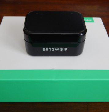 BlitzWolf BW FYE1 headphone box